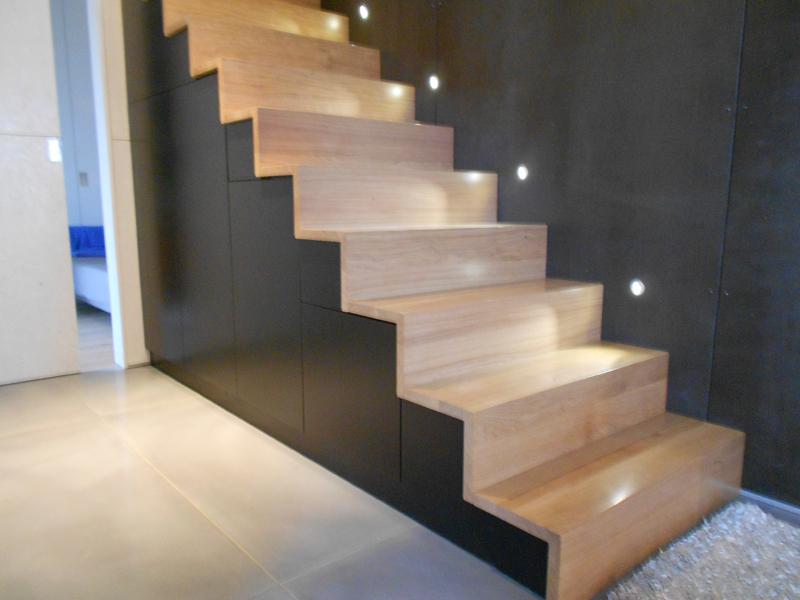 Habillage Escalier Bois Massif : Menuiserie LOFOTEN BOIS