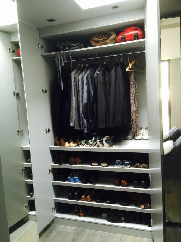 dressing rangement chaussures finest zoom sur les supports et tagres chaussures du dressing. Black Bedroom Furniture Sets. Home Design Ideas